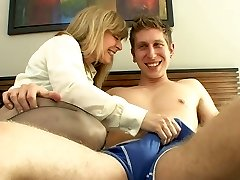 Mature milf luvs youthfull boys