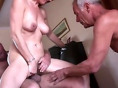 Amateur mature hotwife threeway