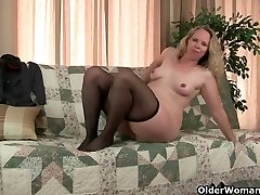Mom's pantyhosed fuckbox gets her all hot and crazy