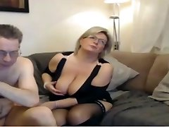 Mature mom have a webcam sex with giant perfect tits
