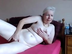Sizzling granny on cam