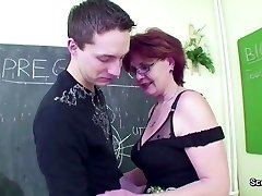Mature College Teach show Young Boy How to Fuck right