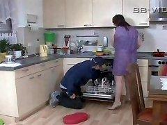 Crazy housewife seduces craftsman