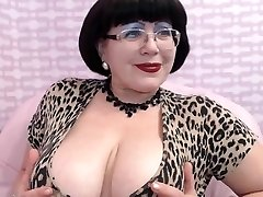 Mature Milf teasing on Web Web Cam Hefty Breast