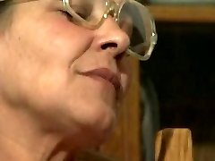 Lezzies Grannys R20