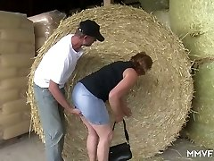Mischievous farmer lures chubby mature damsel in glasses and pulverizes her in shed