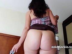 Mom Cougar 3 - Hot Hot Hot