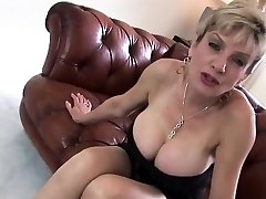 Adulterous british mature gill ellis presents her xxl ju