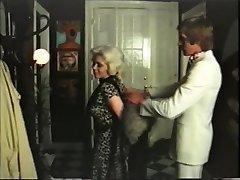 Towheaded cougar has fuckfest with gigolo - vintage