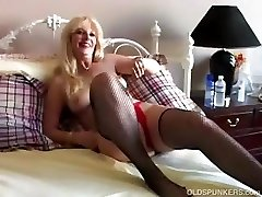 Drilling sexy MILF in fishnet stockings