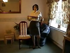 Taunting Milf in Nylon Tights and Heels