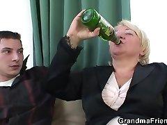 Boozed blondie granma is double fucked