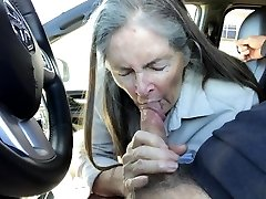 Grannie sucks in the car