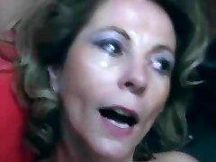 Perverses Sperma Besaufnis - Milf cut