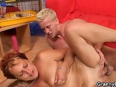 Guy fucks her aged shaved pussy
