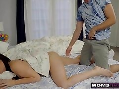 Mummy And Daughter Hunt For Easter Bunny Cock And Cum! S7:ENine