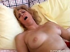 Mature first-timer likes to cum