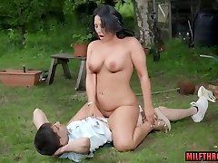 British mom outdoor with cumshot