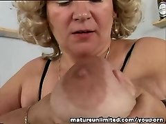 Milk Cans and pussy mature solo