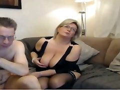 Mature mommy have a webcam sex with big perfect funbags
