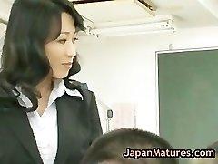 Natsumi kitahara tossing salad some dude part3