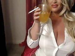 Hot Blondie Cunt Smokes