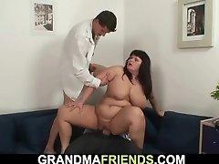 Chubby huge boobs mom 3 way orgy