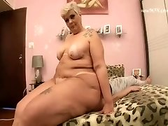 BBW MATURE Aggressive FACE FUCK TEEN