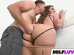 Large ass MILF Sarah Miller gets fucked