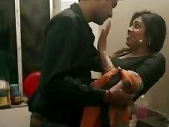 Husband is desperate for sex with Wife's Sis Sali ki Chudai- DesiGuyy