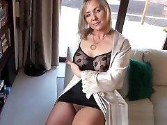 Hot mature showing stocking