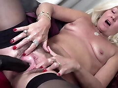 Unshaved Mature Squirts From Fucking Machine