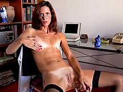 Flat chested skinny mature with puny empty saggy tits 1
