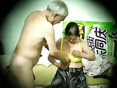 Chinese old man mature duo hidden camera 老头 老夫妻