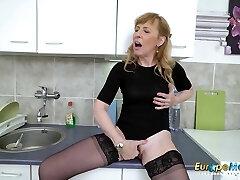 EuropeMaturE Scorching Mature Milf Solo Masturbation
