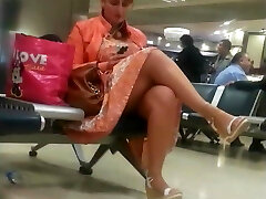 Gostosa no aeroporto