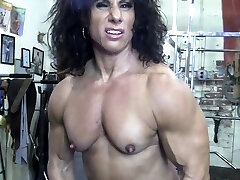 Naked Nymph Bodybuilder Kiss My Naked Muscles