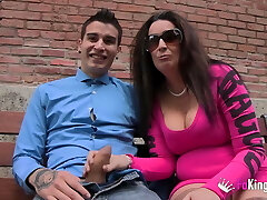 Ugly mature wants monster dick up her ass