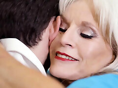 80 years old nurse Sally D'Angelo screwed by her patient
