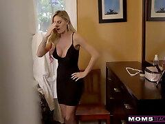 MomsTeachSex - Cumming On My Hot Moms Big Baps! S9:E4