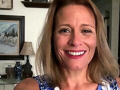 American milf Jayden Matthews fuck sticks her mature pussy