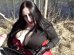 Business Diva Inhaling Outdoor - Cum In Her Face