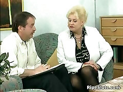 Blonde housewife sucks giant cock with her part2