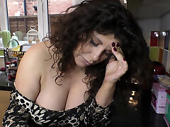 Sexy busty honey dancing and showing downblouse