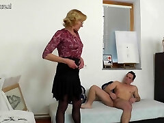 Old grandma paintress gets fucked by her young model