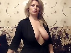 Mature Busty Cougar teases on Web web cam
