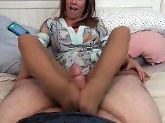 Mommy Feetjob