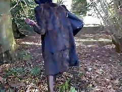 Hot milf in fur and hip boots deepthroats stranger in park
