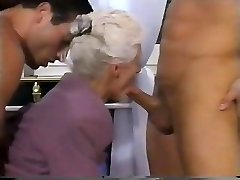 2 MEN AND A DOUBLE PENETRATION FOR GRANDMOTHER