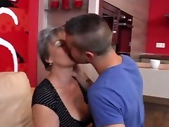 Granny takes BBC DOUBLE PENETRATION